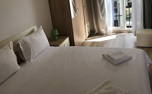 Room 4 Beach House Hotel Mamaia North